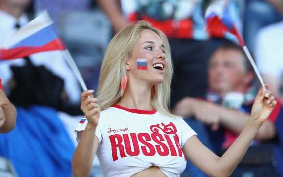 Ces choses exacerbant cette insupportable fierté nationale des Russes